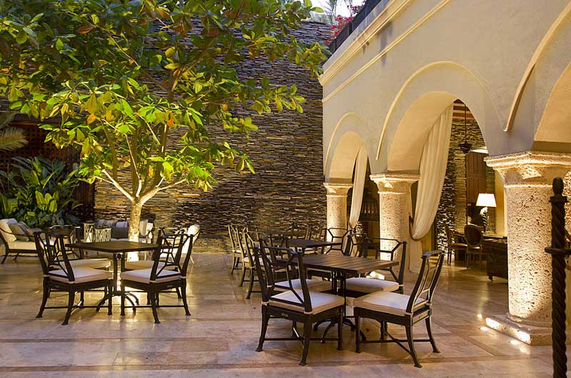 Bastion luxury hotel gate 1 travel more of the world for Luxury hotel for less