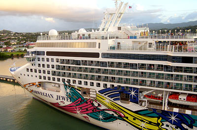Norwegian Jewel Image