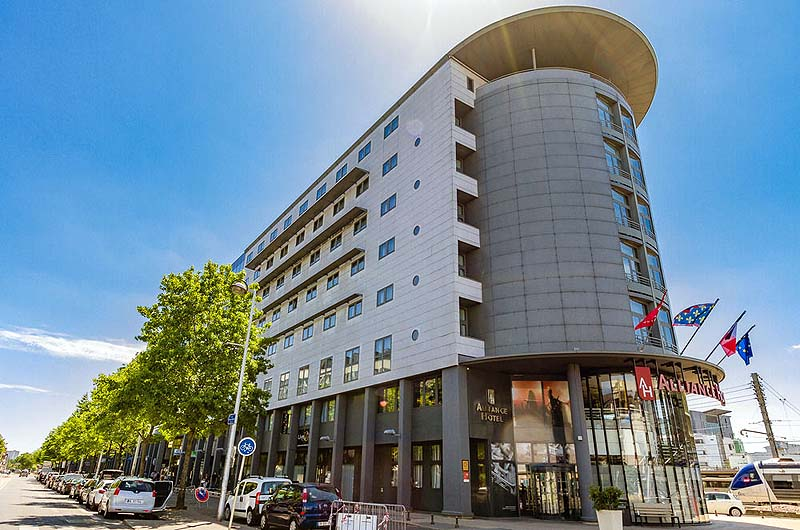 Novotel tours centre gare gate 1 travel more of the for Hotels tours