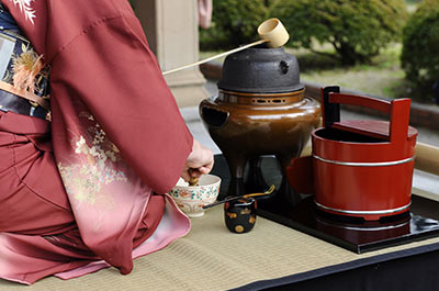 Kimono Dressing & Tea Ceremony Lesson 9:00 AM Thumbnail