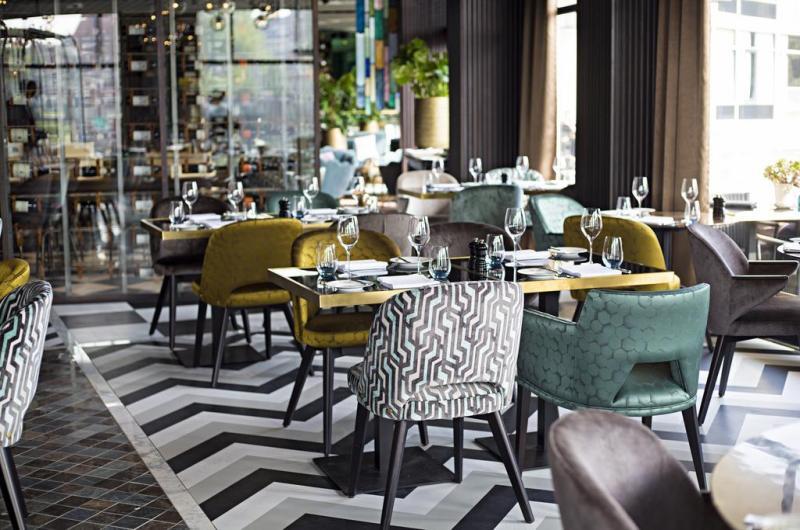 apollo hotel amsterdam gate 1 travel more of the world. Black Bedroom Furniture Sets. Home Design Ideas
