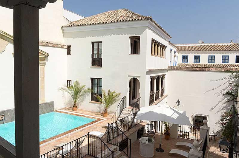 Las casas de la juderia de cordoba gate 1 travel more for Hotel casa de los azulejos cordoba espana